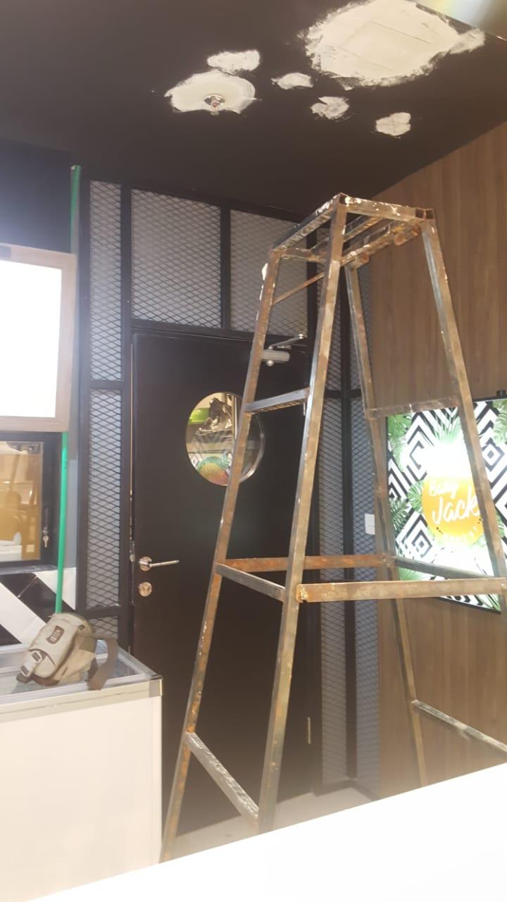 Jasa Bangun Cafe – Decorasi Cafe (2)