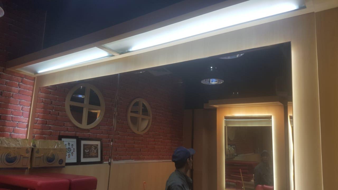 Jasa Interior Barber Shop (5)
