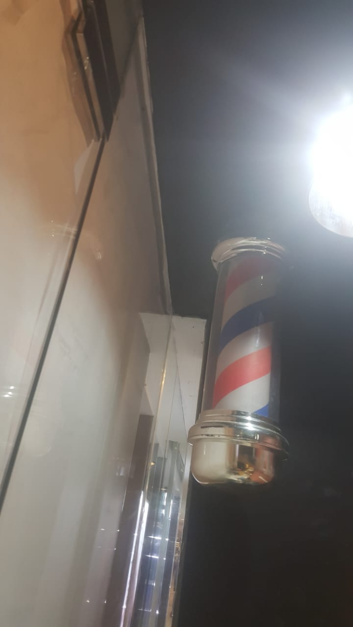Jasa Interior Barber Shop (8)