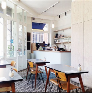 ide kreatif dekorasi cafe yang disukai pelanggan